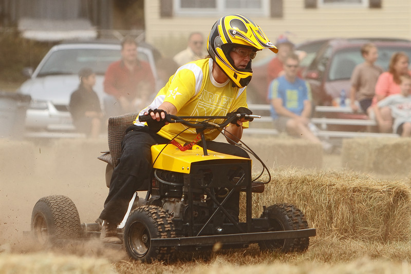 La Center Lawn Mower Races La Center Lawn Mower Races - 2010