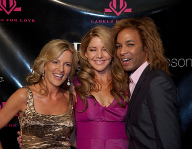 Cat Ommanney is a cast member of  The Real Housewives of D.C. with fellow cast member Mary Schmidt Amons, and Paul Wharton