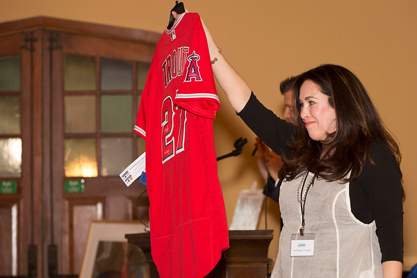 Bidding on the Mike Trout signed jersey