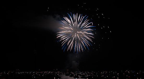 lbfireworks2015adjlg-0098
