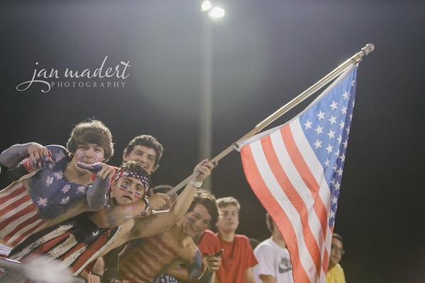 JMad_Lanier_Football_Fans_0912_14_016