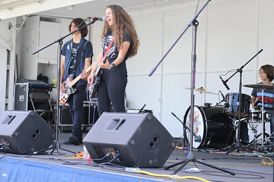 Last Fling 2016 - Naperville, Illinois - Family Fun Land - Rock Out With The Magnifiers