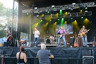 Last Fling 2016 - Naperville, Illinois - Men in Black Stage - One Of These Nights