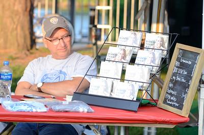 Last Fling 2017 - Naperville, Illinois - People Enjoying The Fling