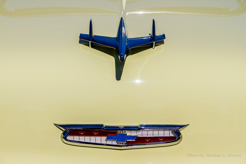 Even Chevy had hood ornaments on their older cars that looked like airplanes.