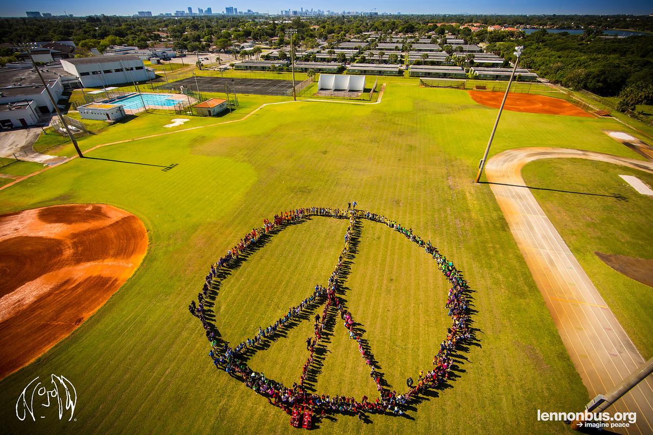 2016_05_06_Hollywood_FL_Bethune_Elementary_School, Peace Sign