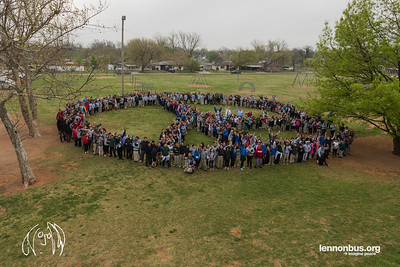 2017_03_28, Arthur Elementary School, human peace sign, OK, Oklahoma City, peace signs