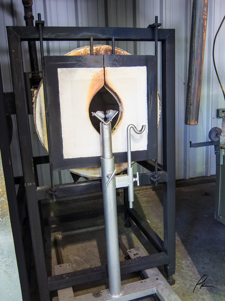 1357 Glass blowing furnace