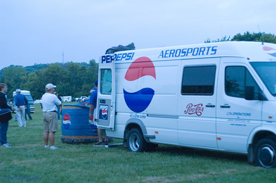 Pepsi Balloon Team from Des Moines, Iowa unloading