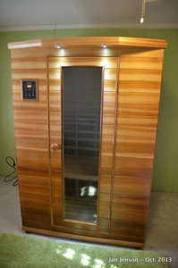 Far infared sauna (holds 2 people)