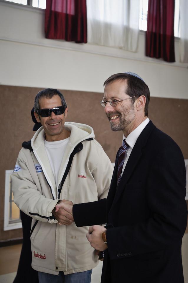 Moshe Feiglin votes in Karnei Shomron