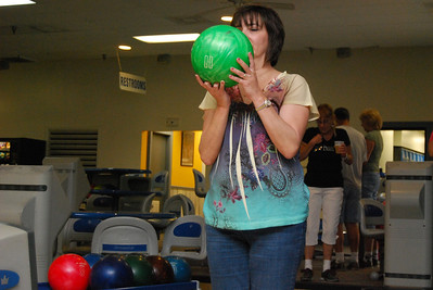 11 Notice how everyone in the back is paying attention to the Princess bowling