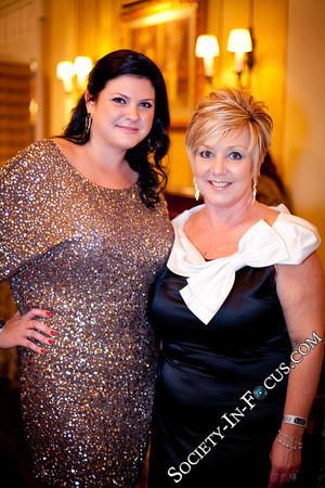 Karen Thomas, Sharon Macaluso