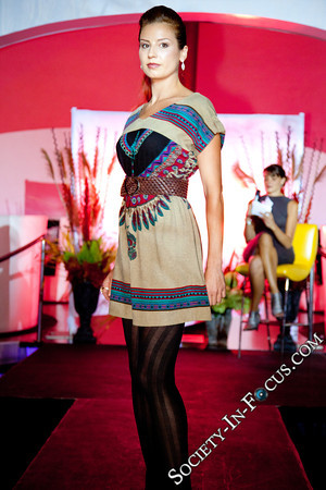 Long Island Pulse Magazine-September Cover Party and Fashion Show-Four Food Studio-Melville-NY-Society In Focus-Event Photography-20110913193417-0134