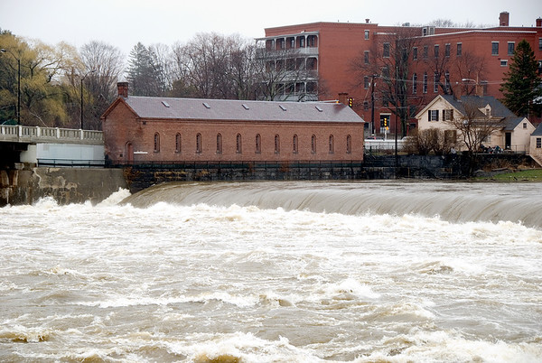 Pawtucket Falls, Merrimack River, Lowell, MA 4/18/07