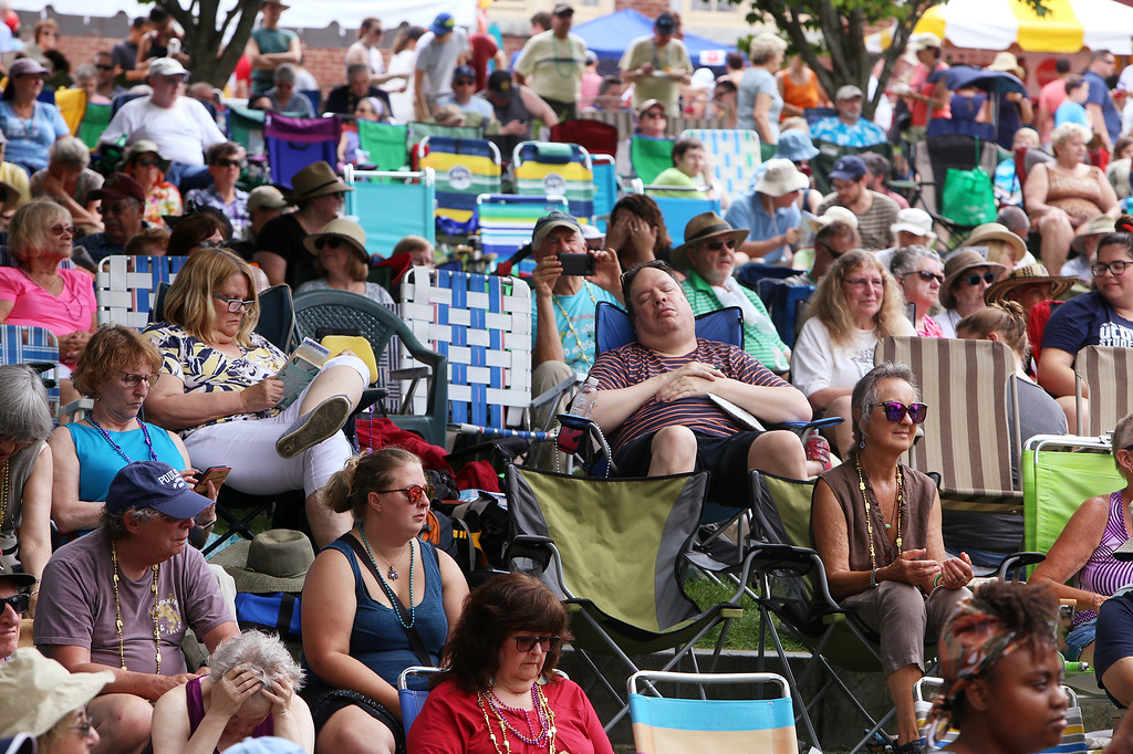 . Saturday at Lowell Folk Festival. Crowd at Boarding House Park. (SUN/Julia Malakie)