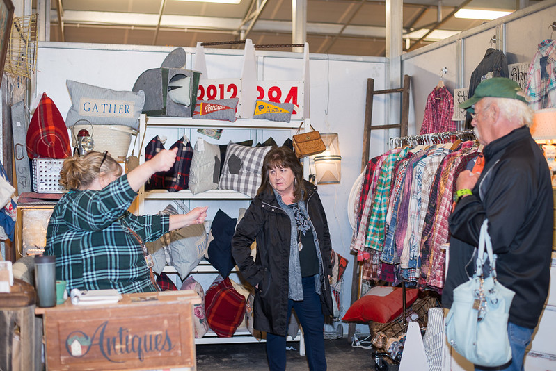 Lucille's Vintage Friday and Saturday Sale (487)