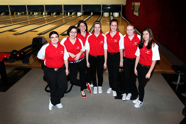 Lutheran West Bowling Team (2013)