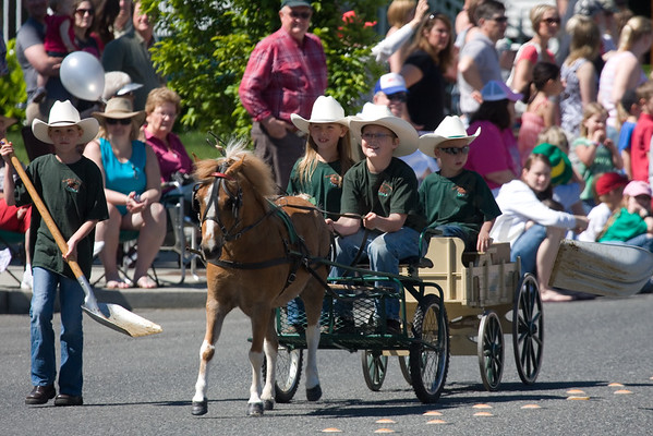 Lyndens Farmers Day Parade 2011
