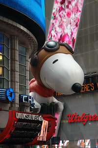 SNOOPY Macy's Thanksgiving Parade 2009 in Manhattan