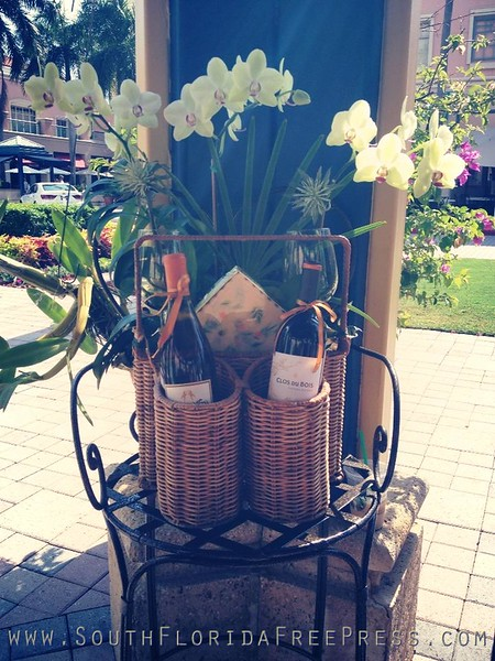MAY FLOWERS AT MIZNER PARK MOTHER'S DAY WEEKEND