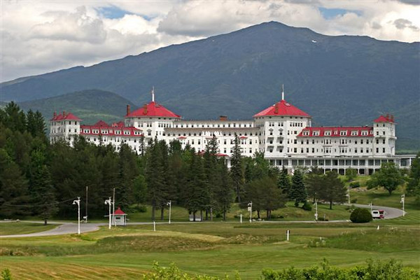 The majestic Mt. Washington Hotel.