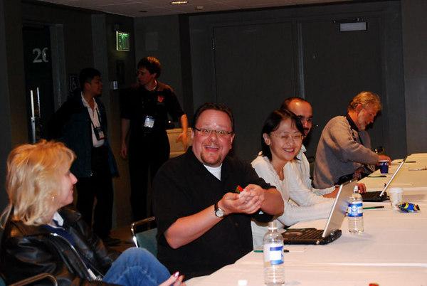 Cathy Pountney, Alan Griver, Aiwen Guo, Milind Lele, David Stevenson. Chan Kok Kiet and Igor Vit in the back.
