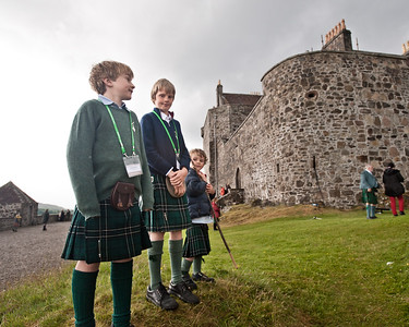 Oscar and his cousins on the gathering day, castle in the background!