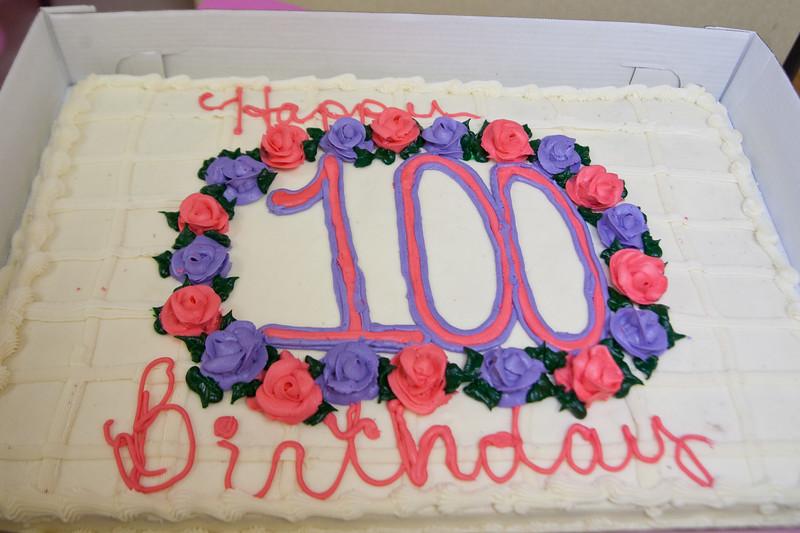Mae's Birthday 001