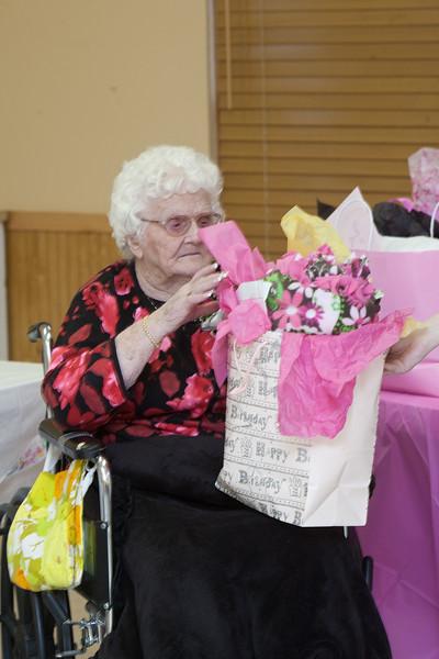 Mae's Birthday 159