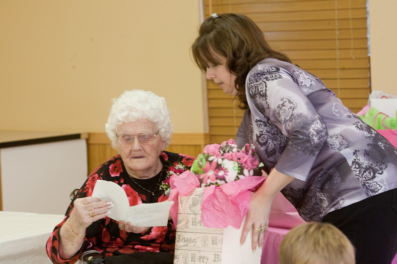 Mae's Birthday 160