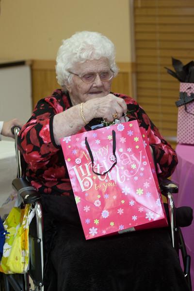 Mae's Birthday 187