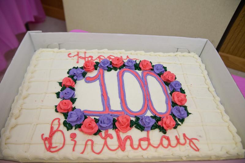 Mae's Birthday 002