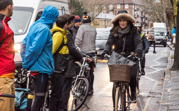 Make The Lane cycling demo in Islington