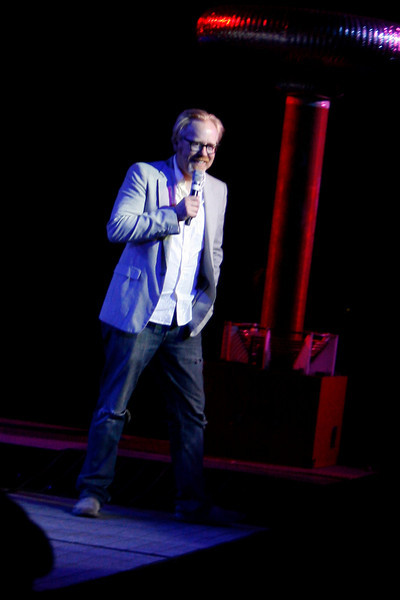 photo by Millhows<br /> <br /> Adam Savage of Myth Busters addresses fans.