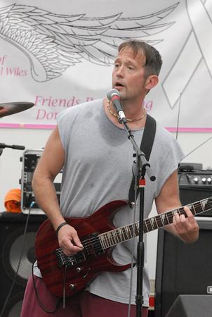Kemmler's Fate guitarist Jeff hall.