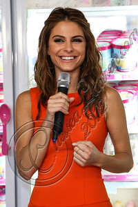 BURBANK, CA - OCTOBER 04:  Actress Maria Menounos attends the launch of Dunkin' Donuts K-Cups at Baskin-Robbins on October 4, 2012 in Burbank, California.  (Photo by Chelsea Lauren/FilmMagic)