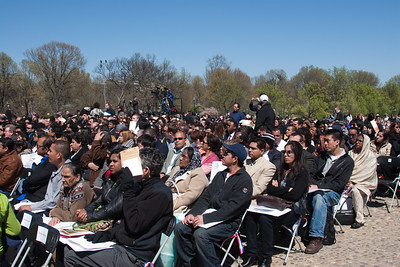 Faces of new Americans -- Marian Anderson Tribute Concert, Easter Sunday 2009 featuring Denyce Graves (commemorating Easter Sunday 1939) at the Lincoln Memorial