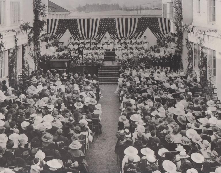 Celebration Graduation 1922