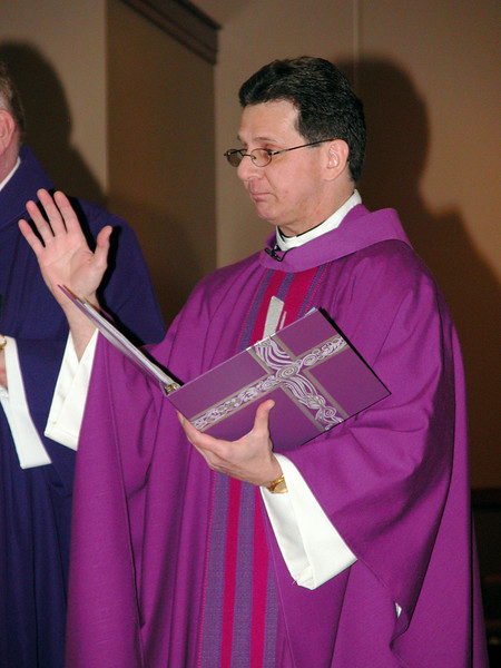 Fr. Mark during the lighting of the Advent wreath.