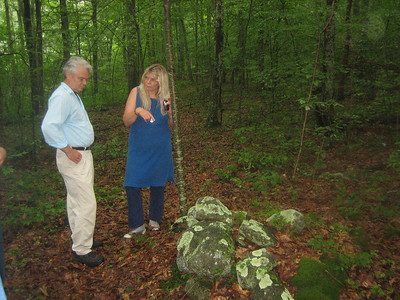 Melinda points out a possible Nipmuck feature.