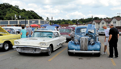 Memories Classic & Antique Car Cruise
