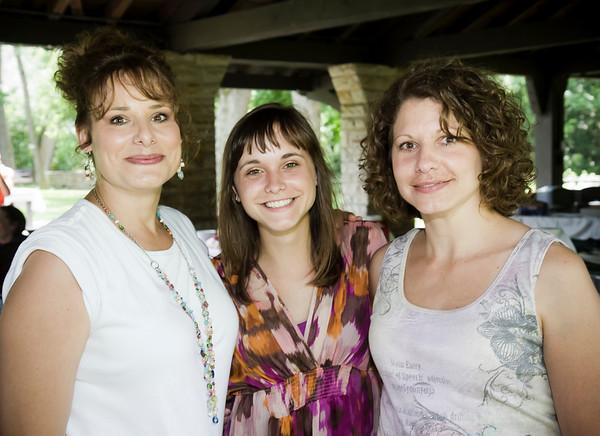Lisa Oblak, Amanda Tropiano, Tina Horvath
