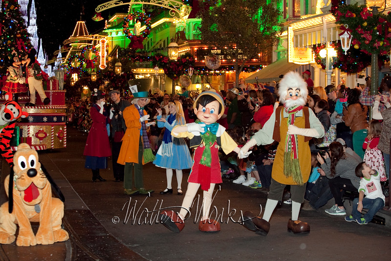 Disney_141216_1473