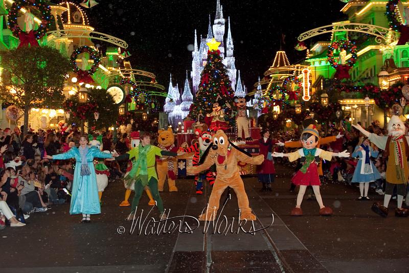 Disney_141216_1465