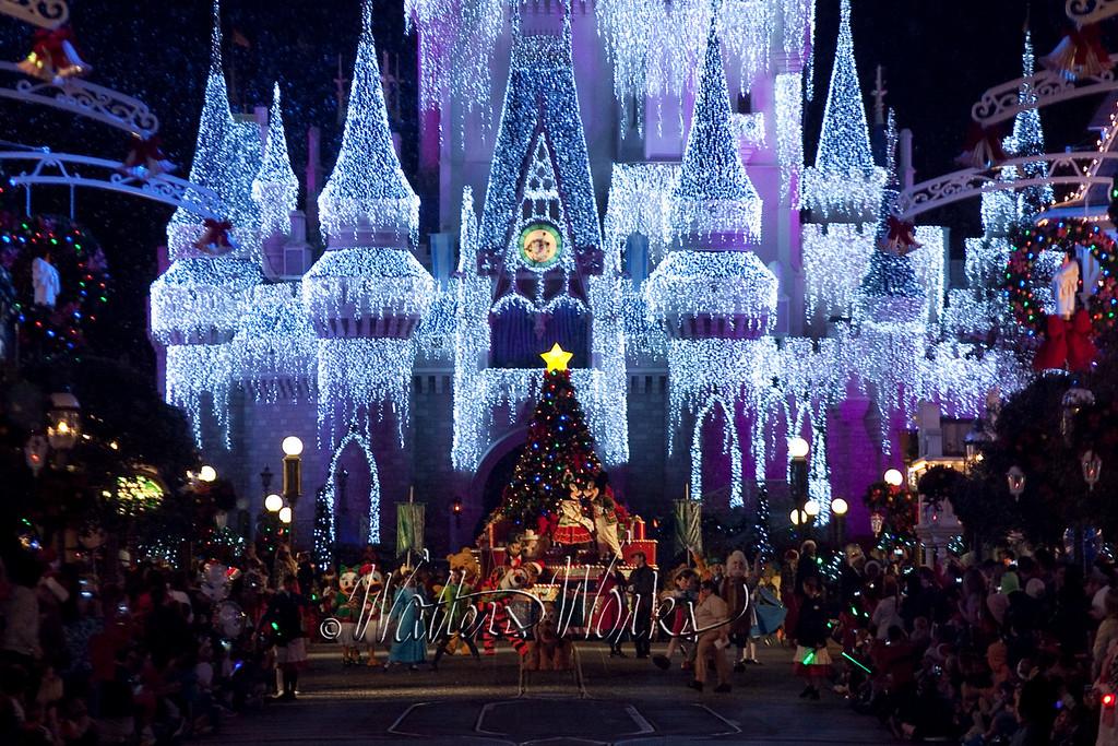 Disney_141216_1424