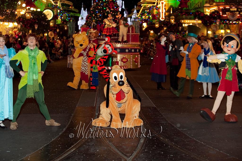 Disney_141216_1472