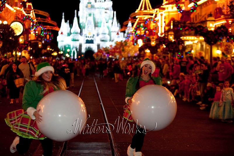 Disney_141216_1417