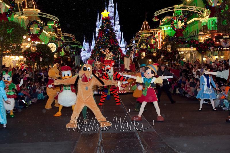 Disney_141216_1467