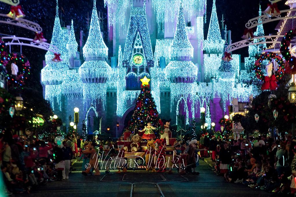 Disney_141216_1429